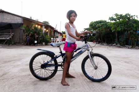 colombian-girl-on-bike
